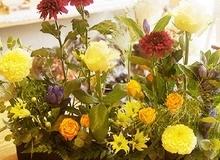 Mách mẹ vụng 2 cách cắm hoa đẹp mà dễ dàng