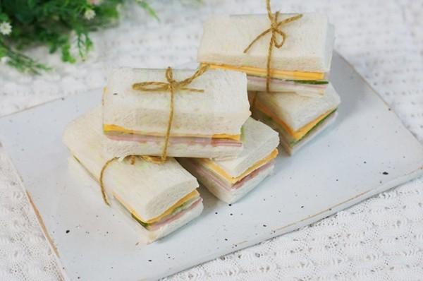 2 món ăn sáng nhanh ngon với bánh sandwich 18