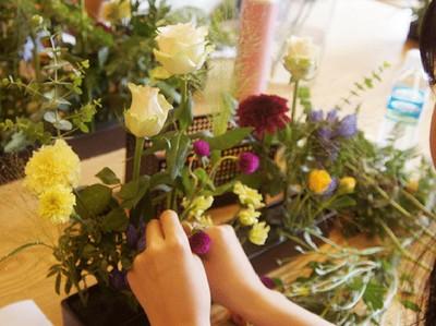 Mách mẹ vụng 2 cách cắm hoa đẹp mà dễ dàng 15