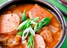 Nóng hổi cay thơm món canh kim chi