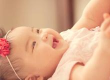 6 dấu hiệu kiểm tra trẻ sơ sinh khỏe mạnh