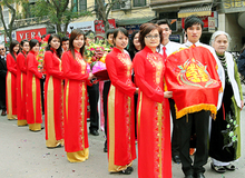 """Một số điều """"lạ"""" trong lễ ăn hỏi của người Việt"""