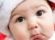 9 bản năng của trẻ ngay sau sinh khiến mẹ kinh ngạc