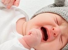 Giật mình với ý kiến của các chuyên gia về phương pháp luyện con tự ngủ