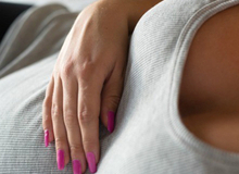 Thay đổi lạ lùng trên cơ thể khi mang thai ít nhận ra