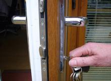 Ứng phó khi nhà có trộm, cướp đột nhập