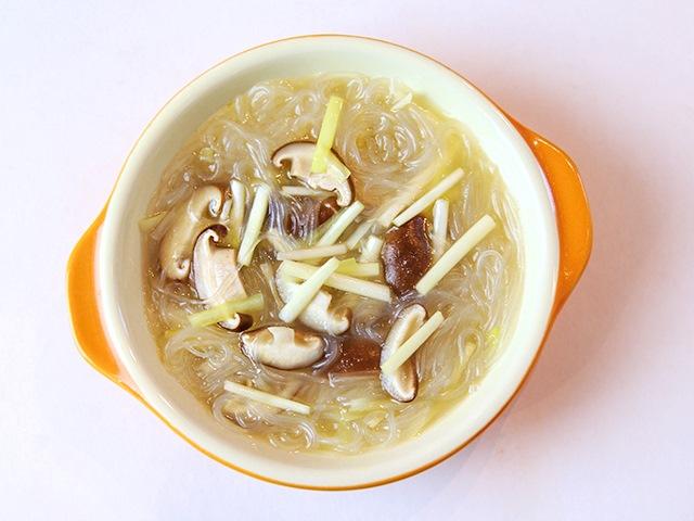 Miến nấu nấm giản đơn cho bữa sáng - 9