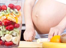 Mang thai tháng thứ 8: Nên và không nên ăn gì?