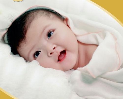 8 dấu hiệu chứng tỏ trẻ sơ sinh khỏe mạnh - Phát triển và hành vi