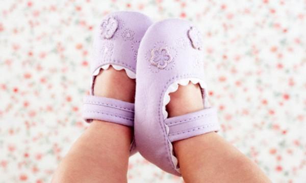 5 bí kíp giúp bố mẹ chọn giày phù hợp cho bé yêu