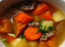 Canh thịt bò hầm rau củ