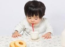 5 hiểu lầm cực lớn của cha mẹ khi cho con uống sữa
