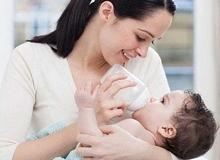 Phòng ngừa nguy cơ tử vong ở trẻ do không bú bình đúng cách