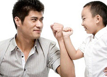 Tâm đắc với những màn dạy con siêu đỉnh của bố mẹ khéo