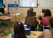 Học sinh bị xao nhãng học tập nếu sử dụng máy tính thường xuyên