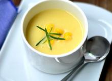 Thơm ngon nóng hổi món súp ngô khoai tây cho tiết trời đông lạnh
