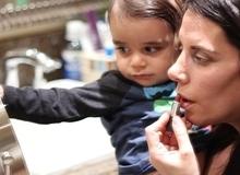 So sánh phũ phàng về việc làm đẹp của mẹ trước và sau khi có con