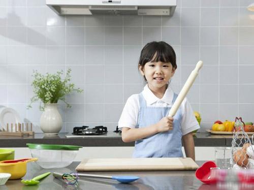 """5 cách nuôi con khiến trẻ """"không thể cao nổi"""" - 1"""