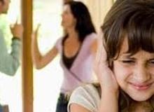 Tai hại khi bố mẹ cãi nhau trước mặt con