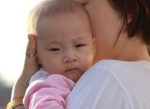 Trầm cảm sau sinh, người mẹ vừa sinh con đã nhập viện tâm thần