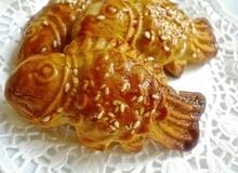Bánh Trung thu nướng hình cá nhìn là mê