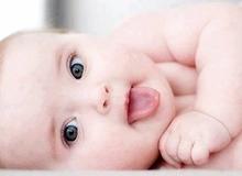 """Chăm sóc trẻ sơ sinh: bắt đầu từ đâu thì """"chuẩn""""?"""