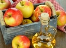 Mẹo điều trị viêm họng nhờ thần dược giấm táo