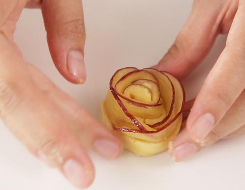 Bánh táo hình hoa hồng thơm ngon đẹp mắt - 9