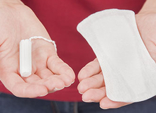 Nguy hiểm không lường từ việc dùng băng vệ sinh sai cách