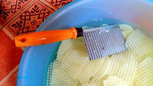 Tự làm bimbim khoai tây giòn tan cho bé - 2