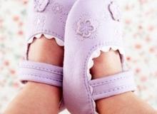 5 bí kíp giúp bố mẹ chọn giày cực chuẩn cho bé