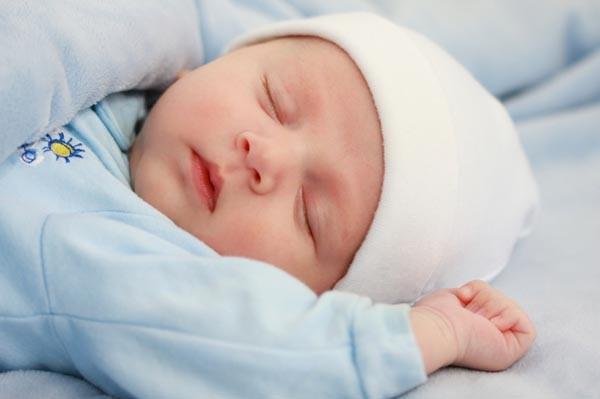 Mốc phát triển chiều cao, cân nặng của bé dưới 1 tuổi mẹ cần biết