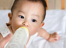 8 điều cấm kỵ khi pha sữa cho con
