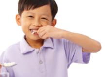Bí quyết ăn uống giúp trẻ thông minh