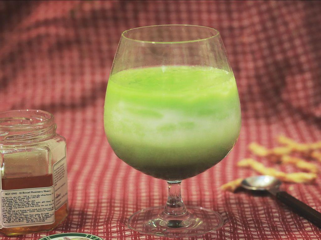 Latte trà xanh đá (Iced matcha latte) mát lạnh