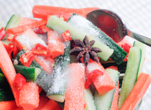 Cách muối dưa chuột, cà rốt chua cay giải ngấy