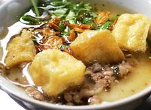Quán bánh đúc gia truyền suốt 30 năm kín khách ở trung tâm Hà Nội