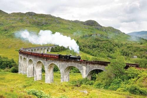 Tuyến xe lửa lãng mạn gắn với bộ truyện Harry Potter