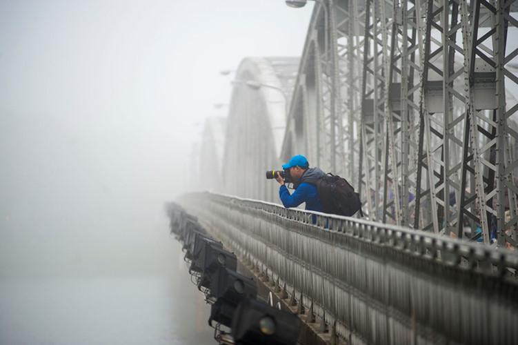 Những người đam mê nhiếp ảnh ghi lại những bức ảnh đẹp của mùa sương xứ Huế.