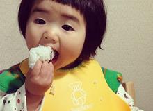 Trẻ có thể tử vong nếu cha mẹ làm điều này khi trẻ ăn bánh mì, bánh bao