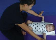 12 bài tập tăng thể lực cho bé từ 0 đến 3 tháng tuổi