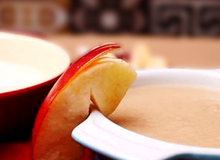 Súp táo lê nấu tôm kiểu ăn dặm