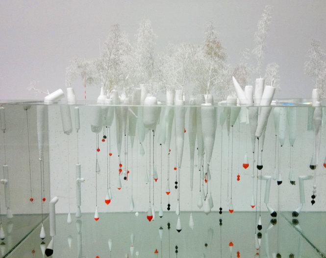 """Rừng nổi lấy cảm ứng từ tác phẩm """"In Search Of Habitus"""" của nghệ sĩ Jorge Bakker"""