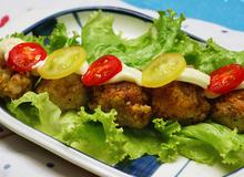 Món ngon cho bé: Thịt viên trộn khoai lang nướng
