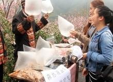 Du khách Trung Quốc mua không khí sạch
