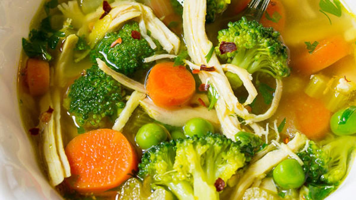 Súp gà dinh dưỡng với công dụng detox
