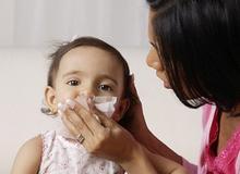 Thức ăn tươi, ấm giúp trẻ nhỏ chống chọi với giá rét