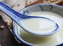 Tự nấu sữa đậu nành thơm sánh