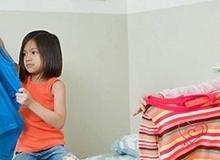 Việc bé PHẢI làm được theo từng độ tuổi để rèn tính tự lập
