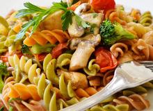 Thành viên vào Bếp: Salad nui sắc màu
